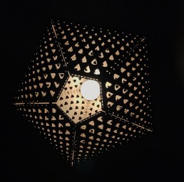 maud-van-deursen-lamp-design-patroon-lasercut-onderkant